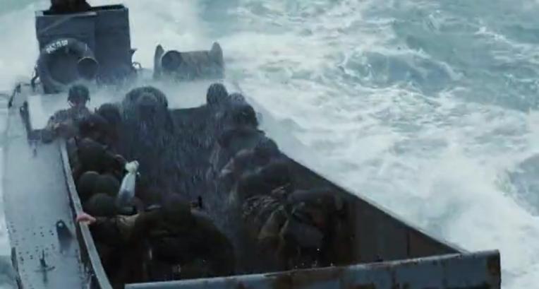 전쟁영화 촬영시 바다에 빠진 엑스트라 배우 구출했던 톰 행크스-  Tom Hanks rescued a extra soldier fell into water at a coastal landing scene