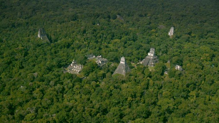 과테말라 정글 밑에서 미스터리의 마야고대도시 발견