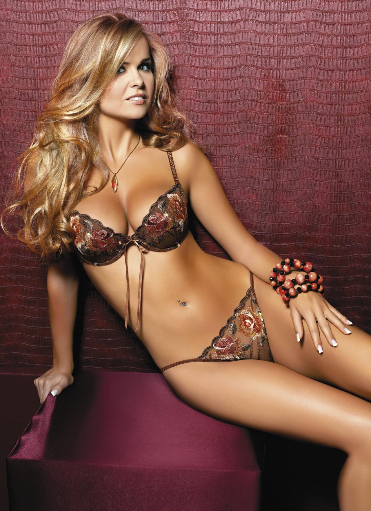 hot mood women wearing sexy lingerie